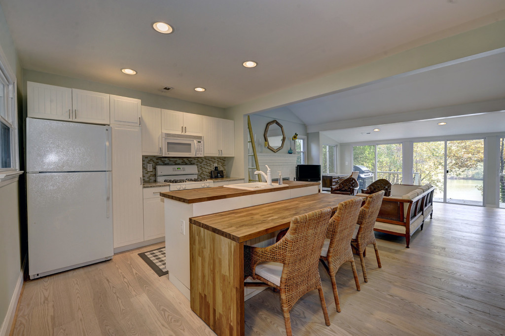 9 kitchen 3213_Henson_Avenue_71770_002